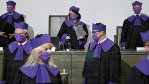 Politycy rozmawiali o dzisiejszym werdykcie SN (fot. PAP/Radek Pietruszka)