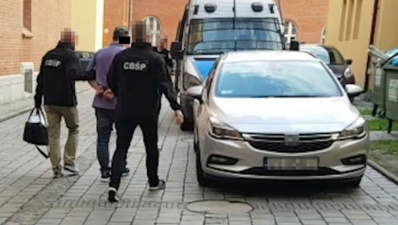 Na nielegalnej działalności gang zarobił kilka milionów zł (fot. CBŚP)