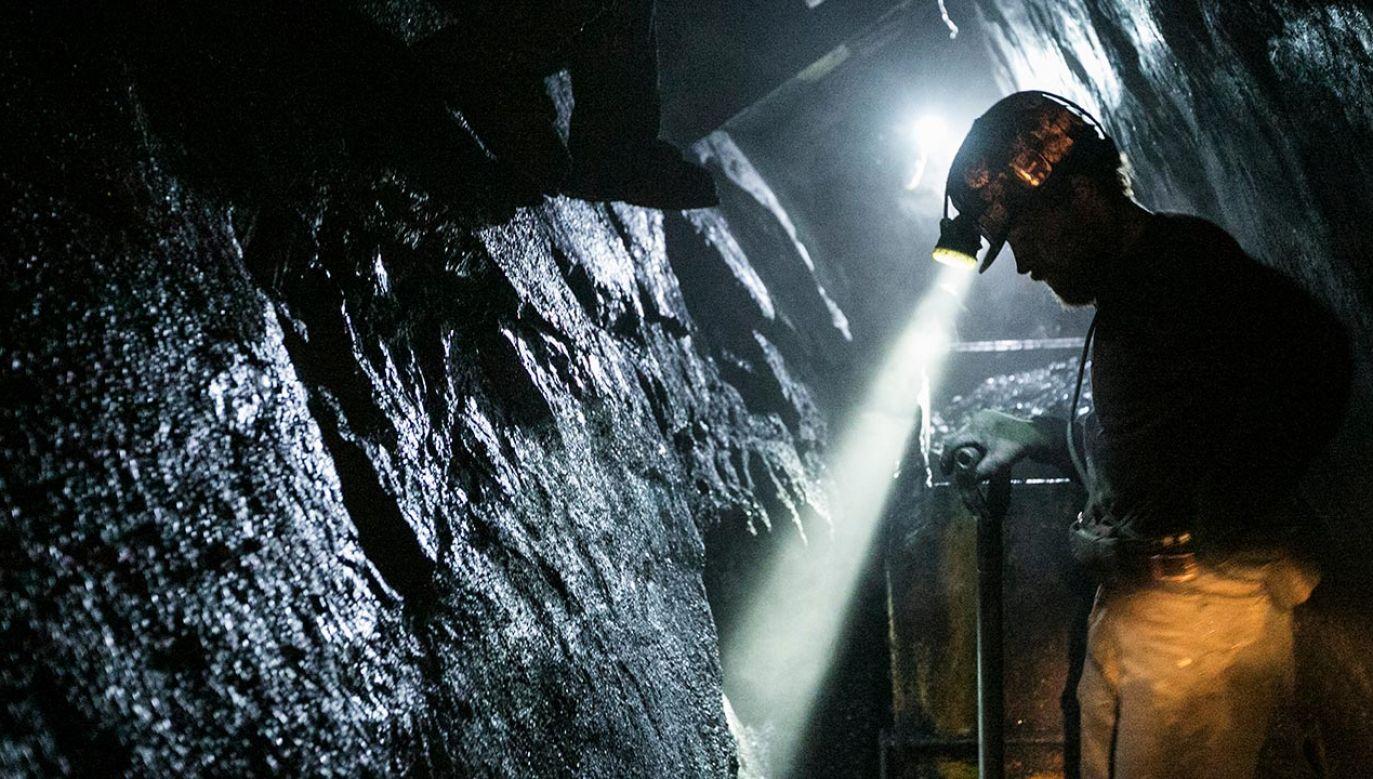 Zespoły mają przedstawić swoje rekomendacje do 30 listopada, a przygotowanie Umowy społecznej dotyczącej transformacji górnictwa jest planowane do połowy grudnia tego roku(fot. Shutterstock/ ironwas)