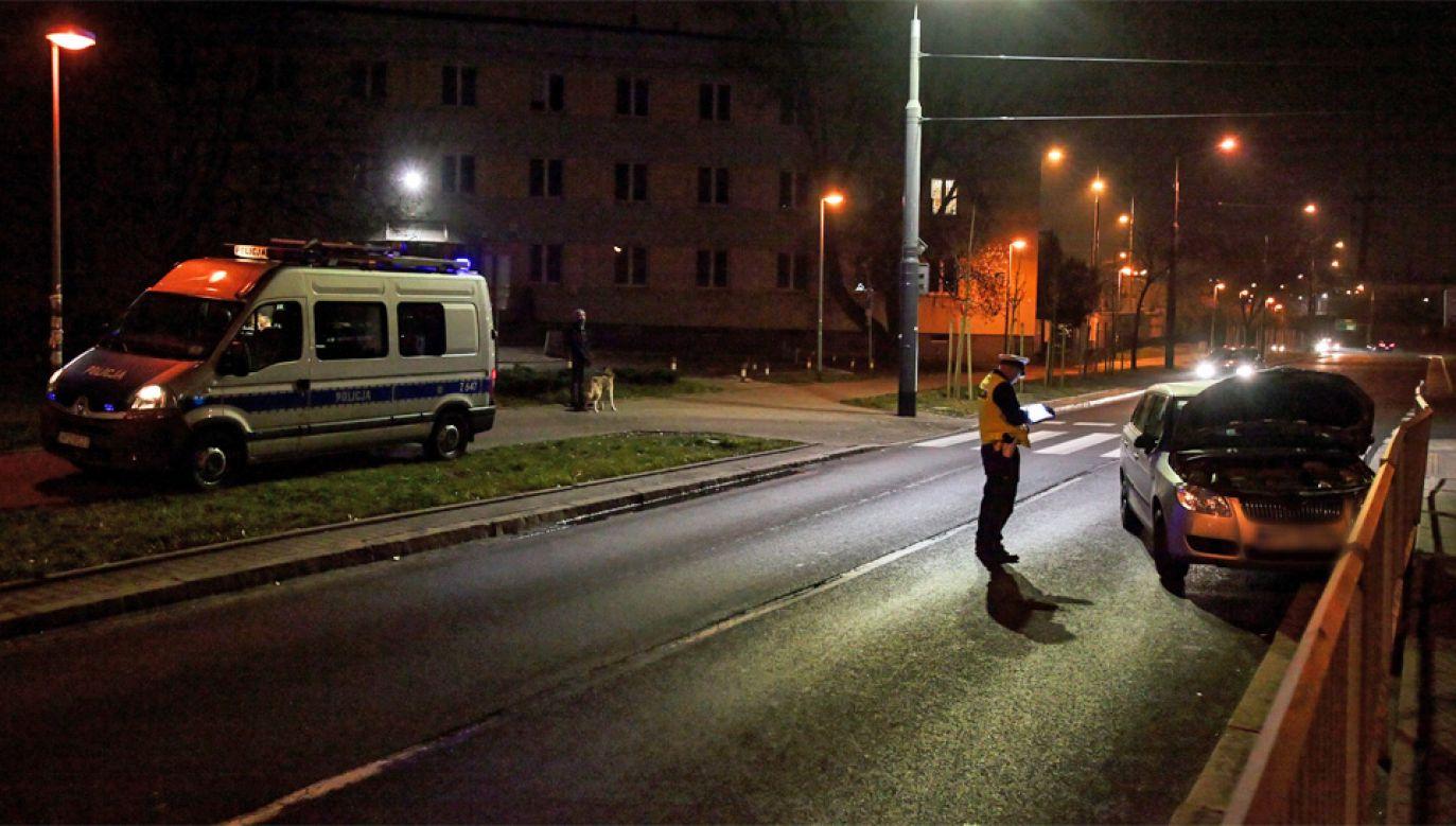 Policja przekazała informację od mieszkańców do ZDM (fot. PAP/Mateusz Marek)