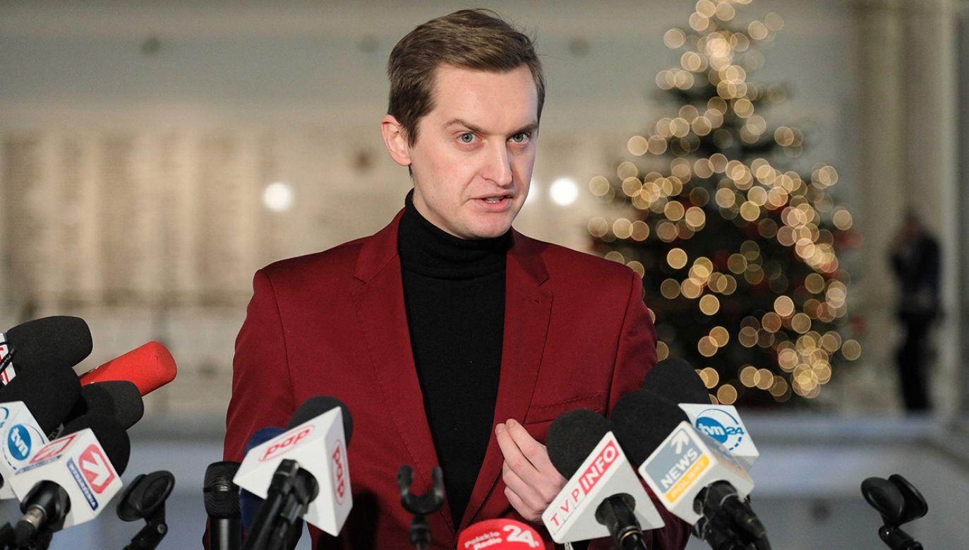 Podkreślił, że zgodnie z wyrokiem TK konstytucja jest najwyższym prawem obowiązującym w naszym kraju (fot. PAP/Paweł Supernak)