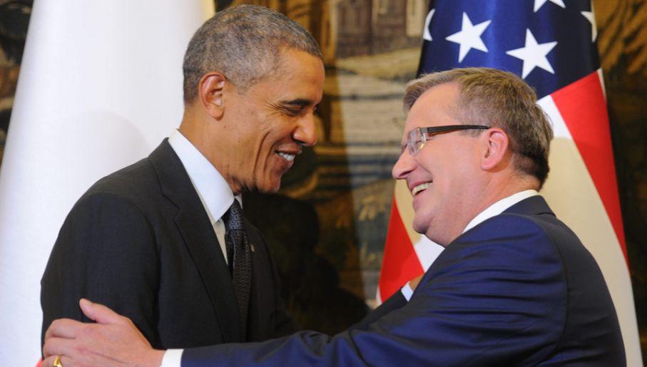 Prezydent Bronisław Komorowski oraz prezydent USA Barack Obama podczas konferencji prasowej po spotkaniu w Belwederze (fot. PAP/Bartłomiej Zborowski)