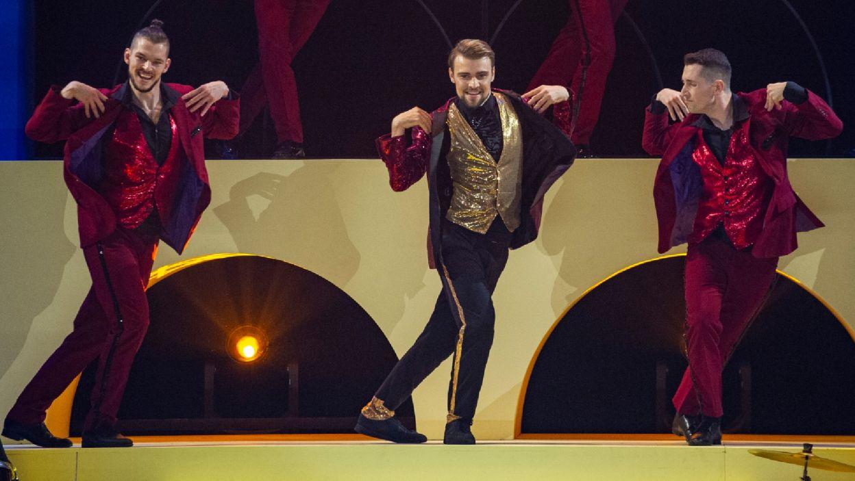 Damian pokazał, że czuje się dobrze… zwłaszcza w tańcu! (Natasza Mludzik/ fot. TVP)