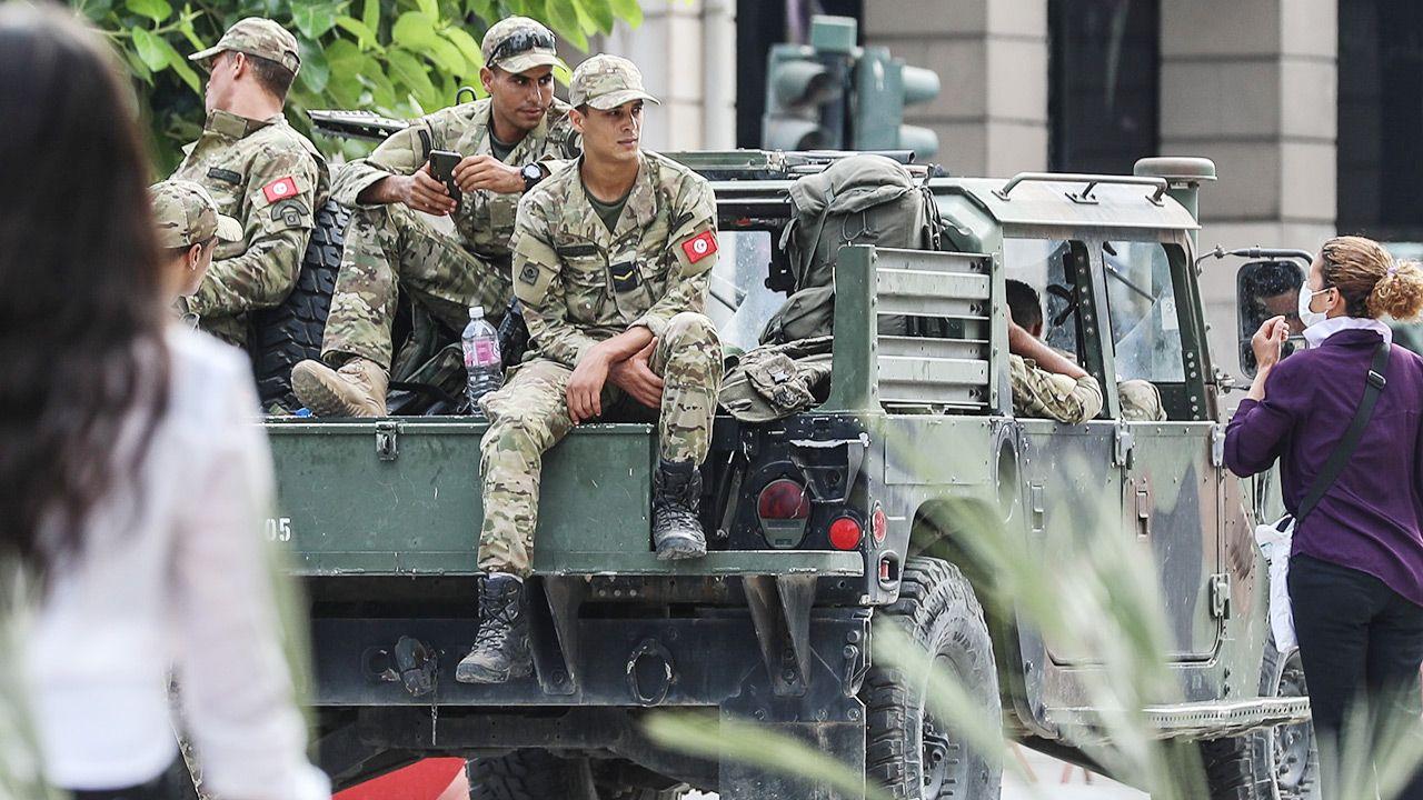 Niepokoje w Tunezji trwająod dłuższego czasu (fot. PAP/EPA/STRINGER)