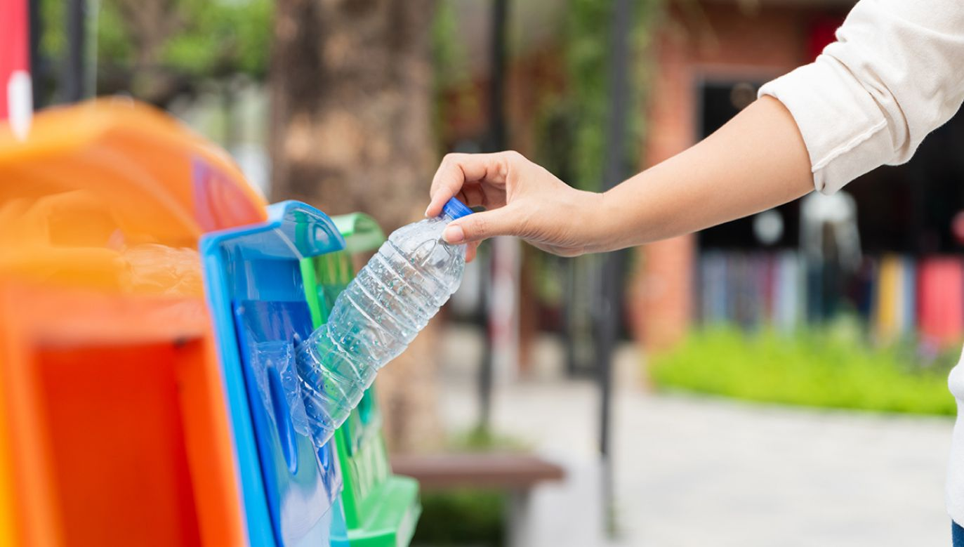 Ponad 63 proc. tego, co wyrzucamy, to wciąż odpady zmieszane (fot. Shutterstock/ siam.pukkato)