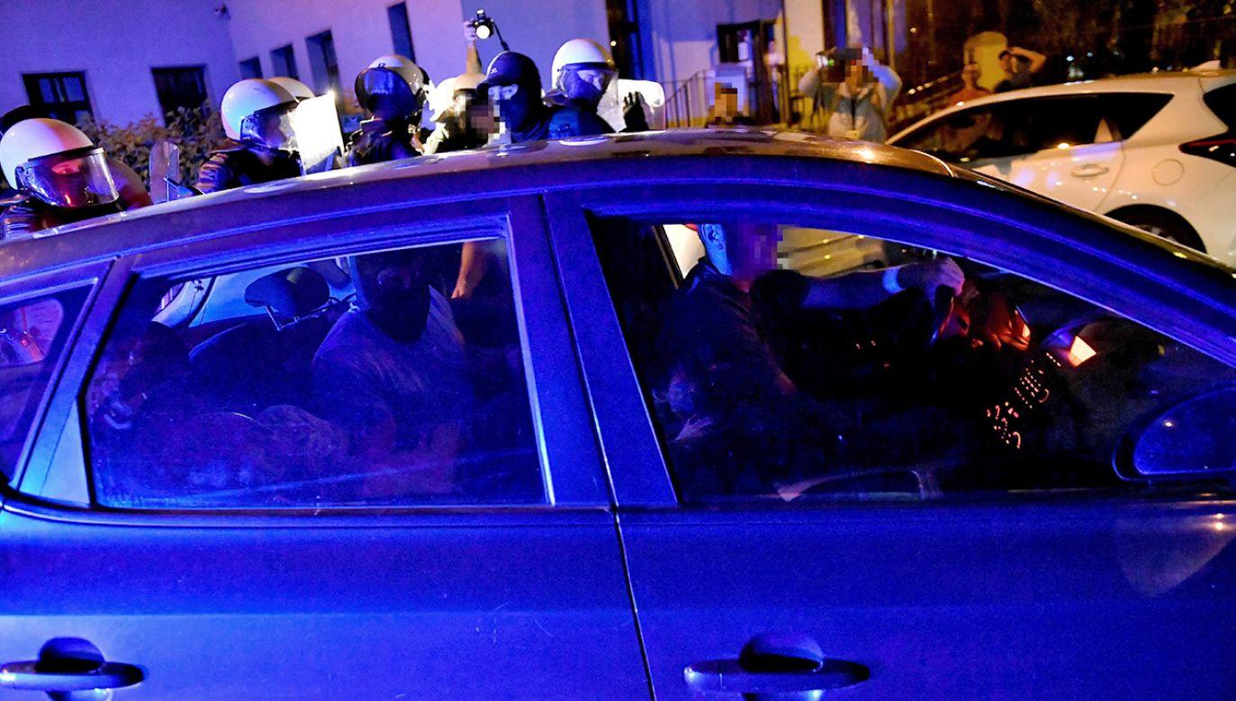 Były szef MSWiA stwierdził, że policjanci, podczas zatrzymania podejrzanego o zabójstwo 10-letniej Kristiny, zachowali się bardzo dobrze (fot. PAP/Maciej Kulczyński)