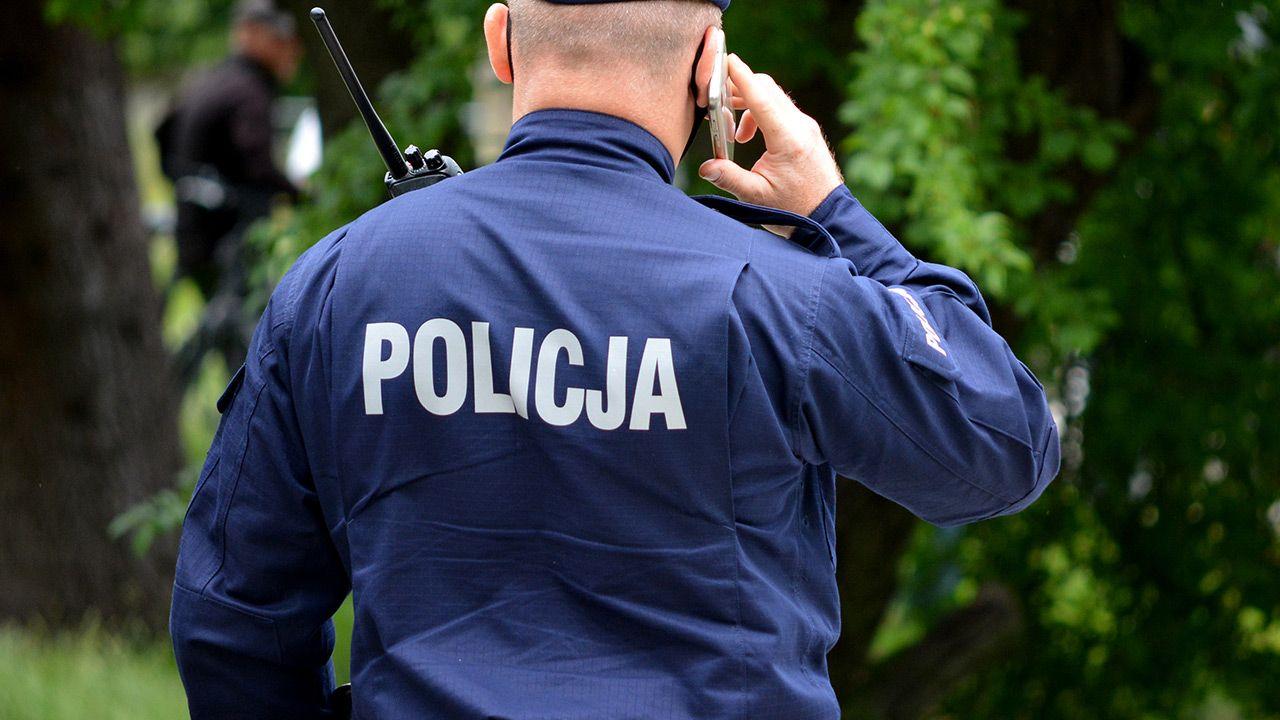 Zwłoki znalezione zostały w miejscowości Psary przy drodze krajowej nr 60 (fot. Shutterstock)