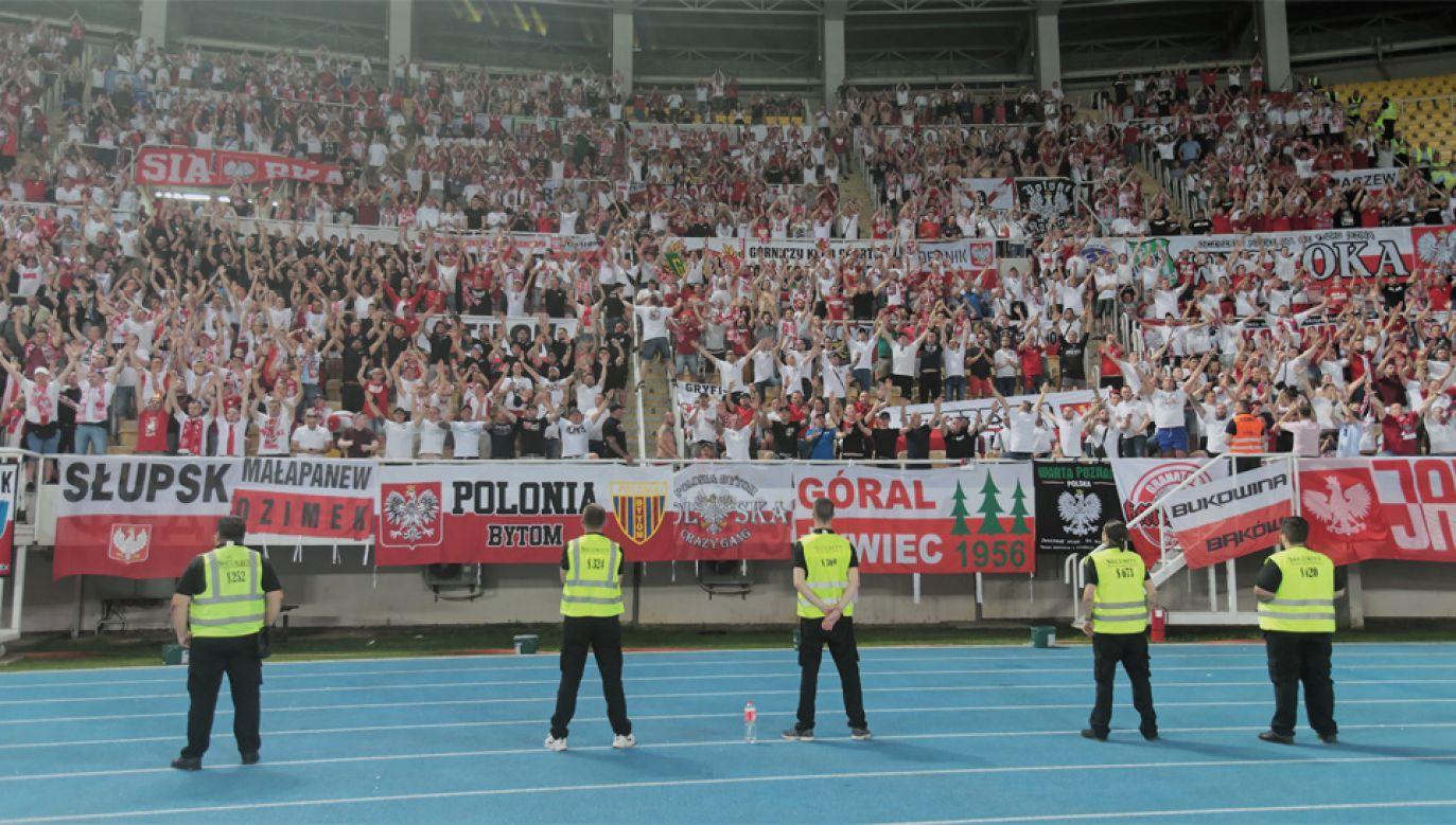 Większość polskich kibiców zachowywało się jak należy (fot. PAP/Andrzej Lange)