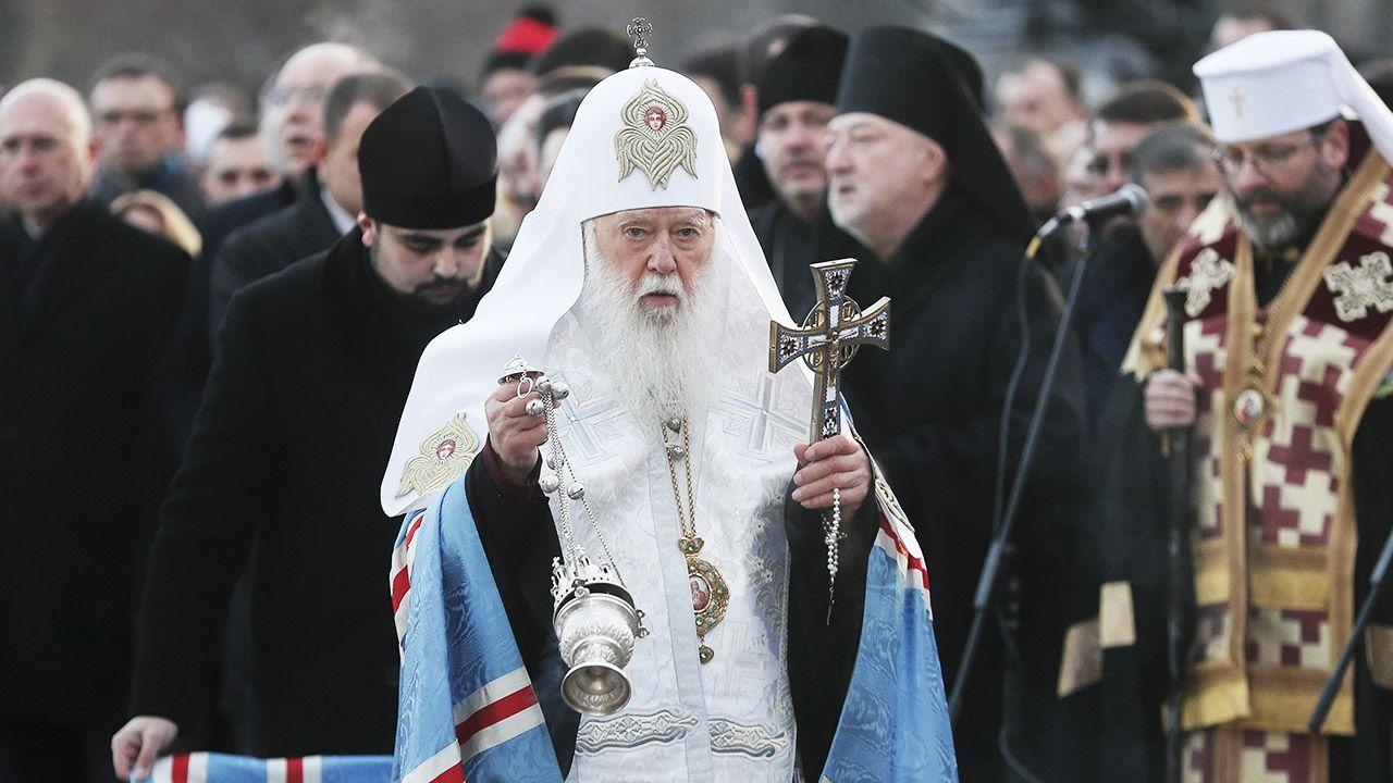 """Patriarcha Filaret nawiązał do obchodzonej obecnie 85. rocznicy Wielkiego Głodu – ludobójstwa z lat 1932-33, """"do którego główną przesłanką były utrata przez naród swej państwowości i zniewolenie przez agresora kremlowskiego"""" (fot. PAP/EPA/SERGEY DOLZHENKO)"""