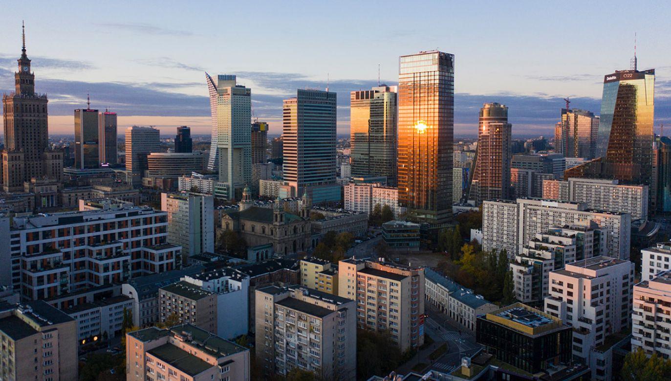 """Zebrano 200 tys. podpisów pod inicjatywą """"STOP 447"""" (fot. Shutterstock/Oleksandr Dudnyk)"""