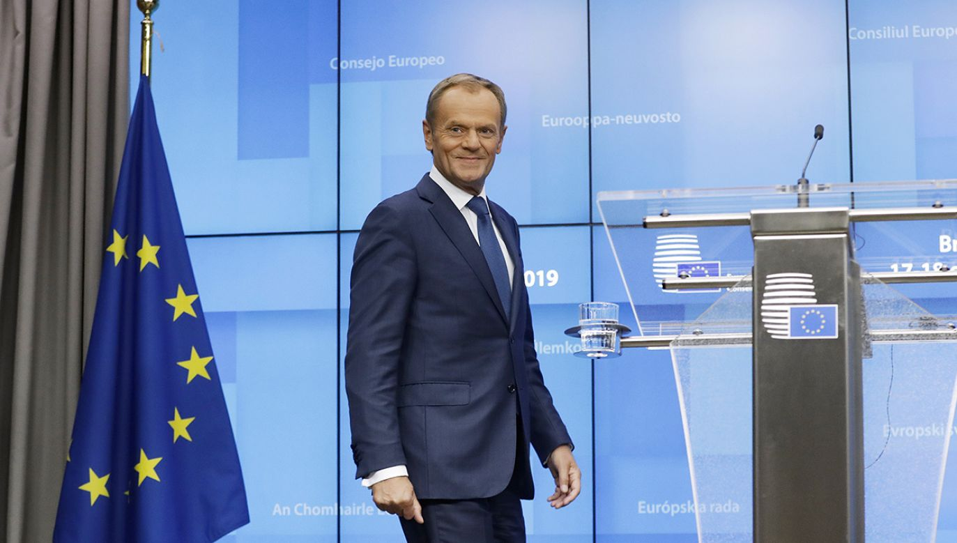 Donald Tusk kandyduje na szefa EPP (fot. EPA/OLIVIER HOSLET)