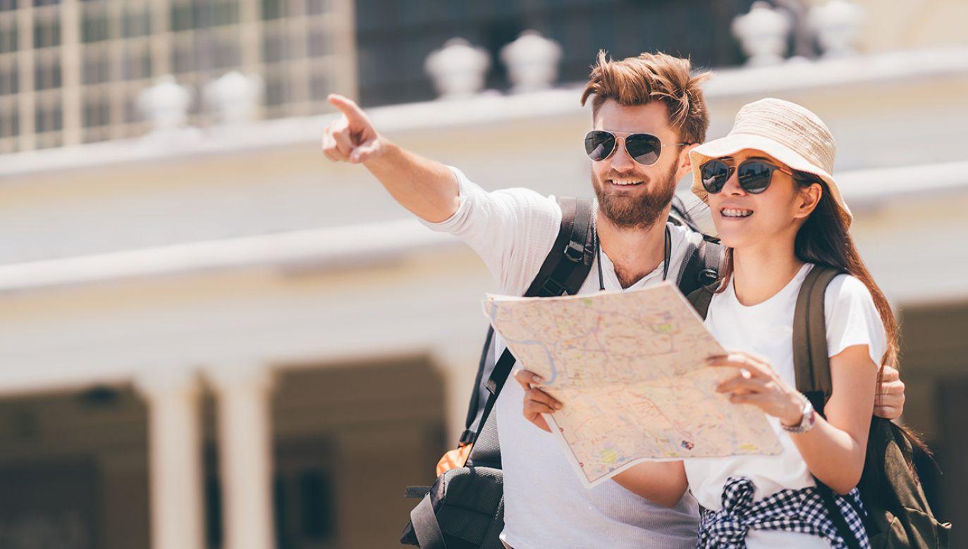 Vouchery dla klientów i przedłużenie terminu zwrotów z powodu koronawirusa – to punkty tarczy antykryzysowej przyjęte z myślą o branży turystycznej (fot. Shutterstock/Sushiman)
