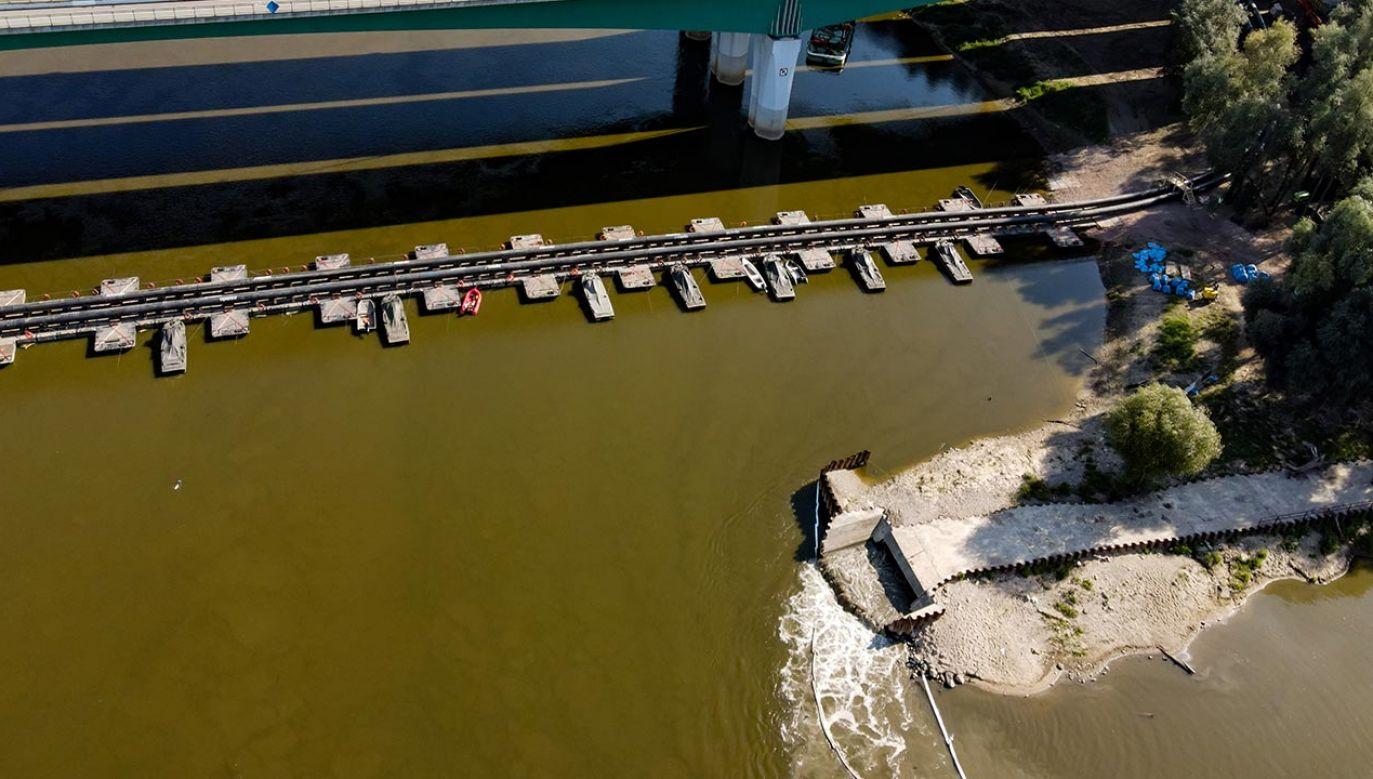 Po deszczowym weekendzie ścieki znów wpadają do rzeki (fot. Forum/Dudek Jerzy)