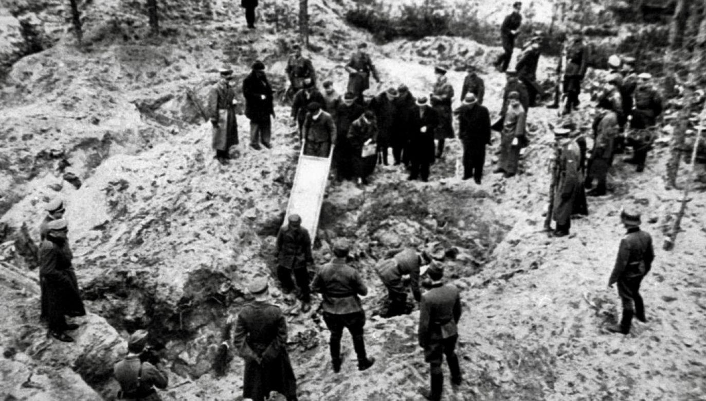 Pamięć o ofiarach zbrodni katyńskiej (fot. KOK-LOCHON/Gamma-Rapho/Getty Images)