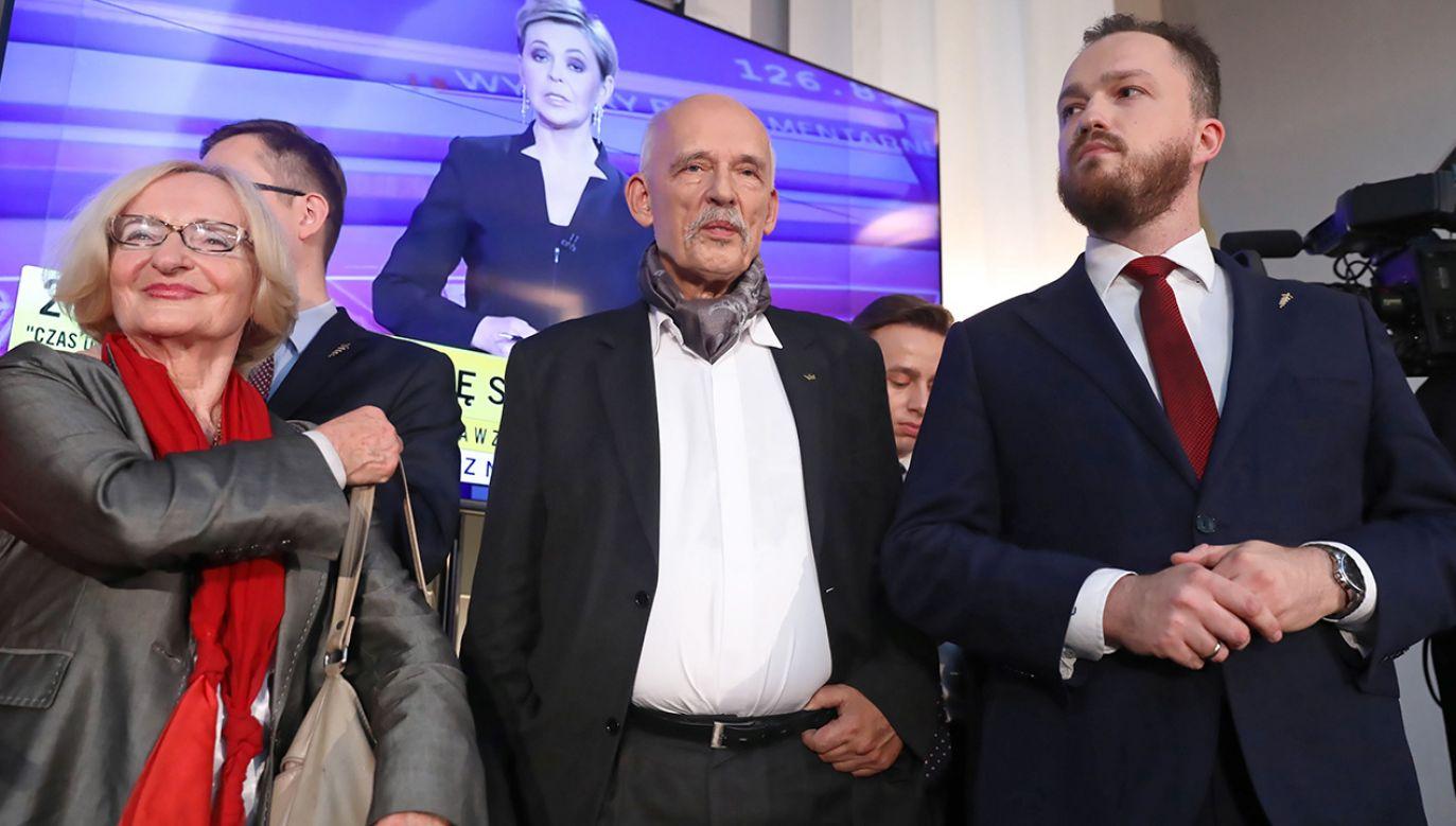 Konfederacja czeka na ostateczny podział mandatów (fot. PAP/Tomasz Gzell)