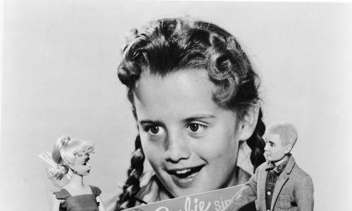 Barbie śpiewa! W duecie z Kenem, rok 1961. Fot. Hulton Archive/Getty Images