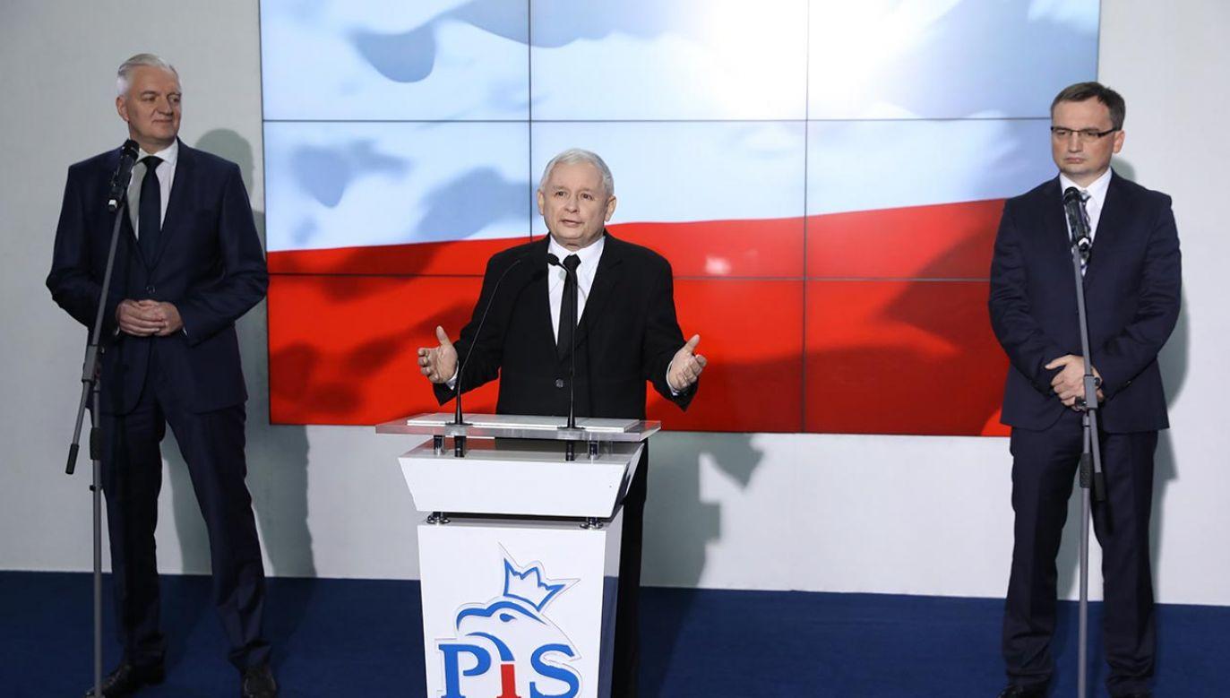 Po głosowaniu ws. zwierząt ZP się rozpadnie? (fot. PAP/Rafał Guz)