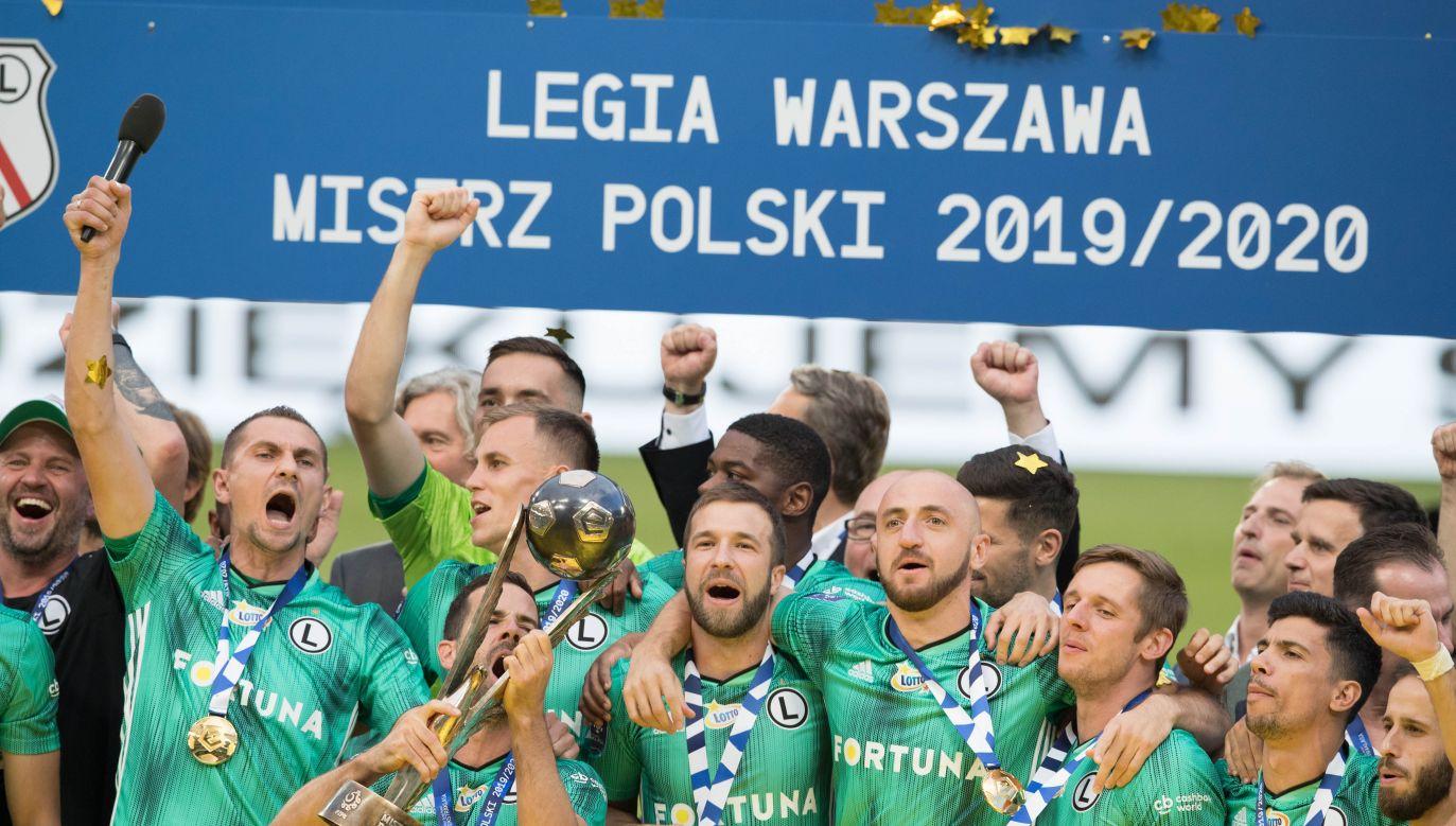 Mistrz kraju Legia Warszawa miał zagrać ze zdobywcą Pucharu Polski - Cracovią (fot. Tomasz Hamrat/Forum)