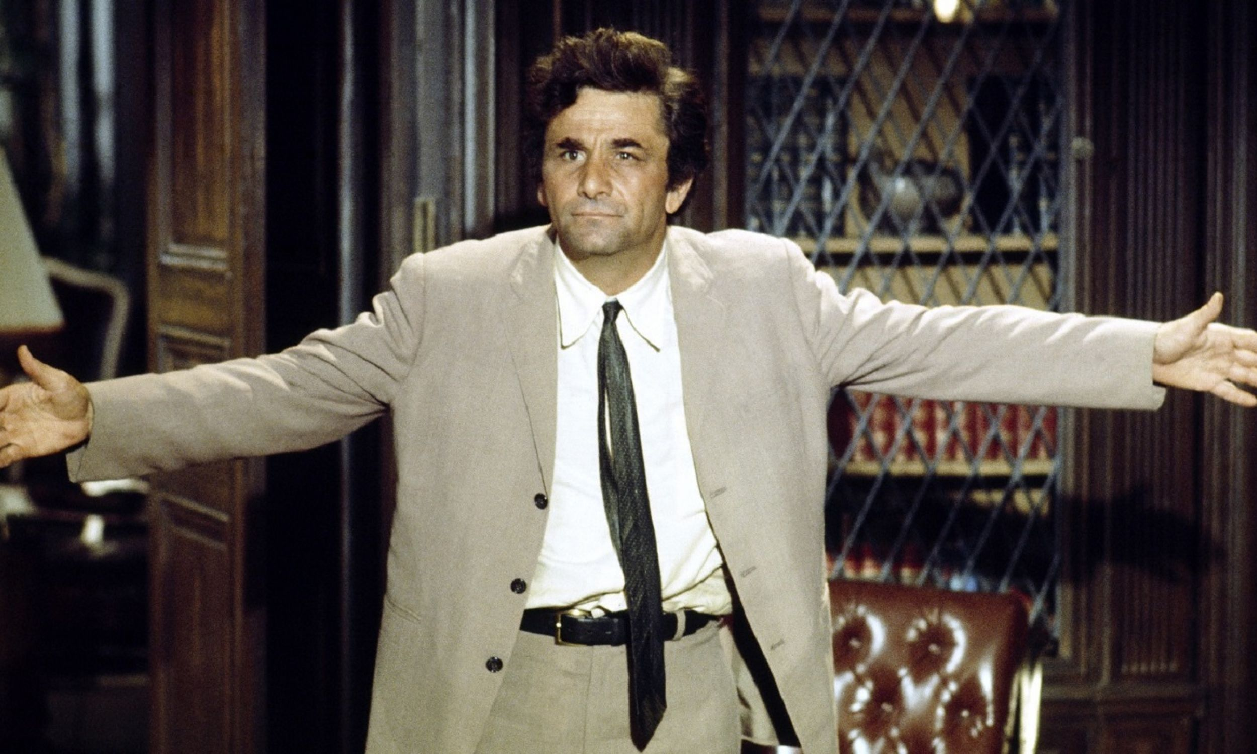 Aktor i komik Peter Falk (1927-2011)  jako porucznik Columbo. Fot. NBCU Photo Bank/NBCUniversal via Getty Images via Getty Images