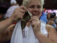 Włodarczyk rzucała w rękawicy należącej do Kamili Skolimowskiej (fot. PAP/Adam Ciereszko)