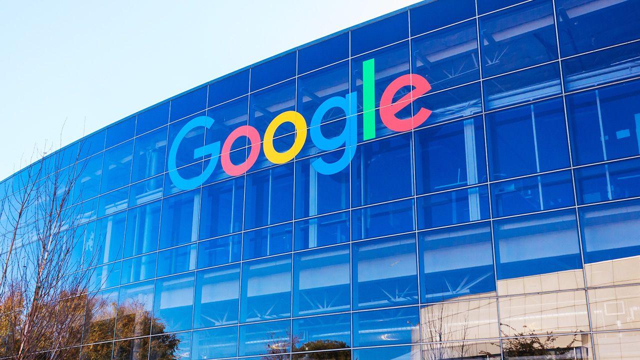 Google świadczy kilka usług dotyczących technologii reklamowych (fot. Shutterstock)
