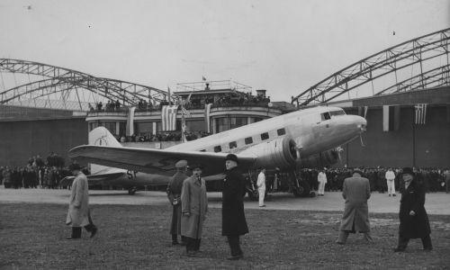 W latach 1935 i 1936 do floty dołączono samoloty Douglas DC-2. Fot. NAC