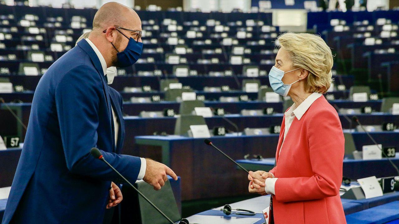 """""""Przewodnicząca KE musi zdecydować, czy stoi po stronie Orbana i Polski"""" – mówił jeden z europosłów (fot. PAP/EPA/JULIEN WARNAND)"""