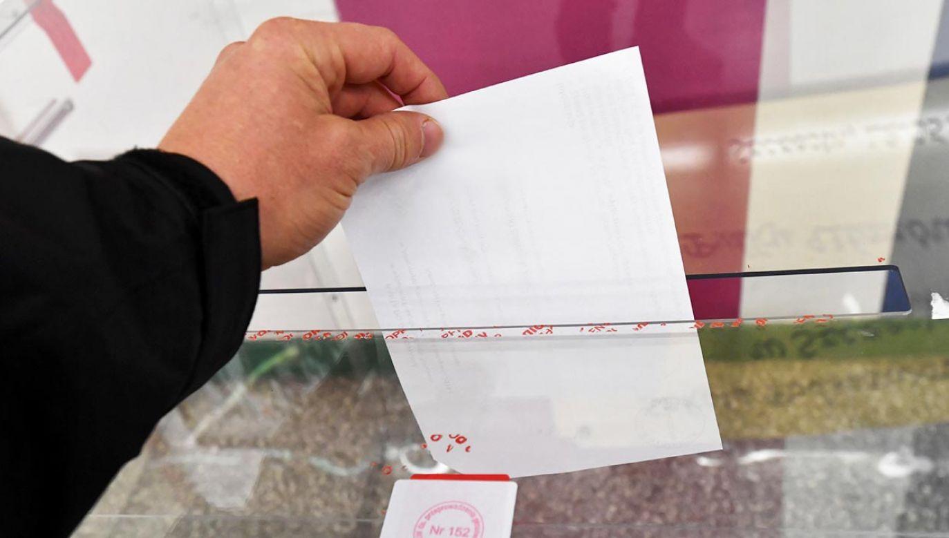 Polityk wskazał, że możliwe są trzy terminy wyborów prezydenckich (fot. PAP/Marcin Bielecki)