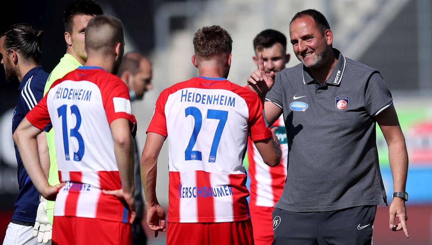 Frank Schmidt z piłkarzami FC Heidenheim (fot. Getty Images)