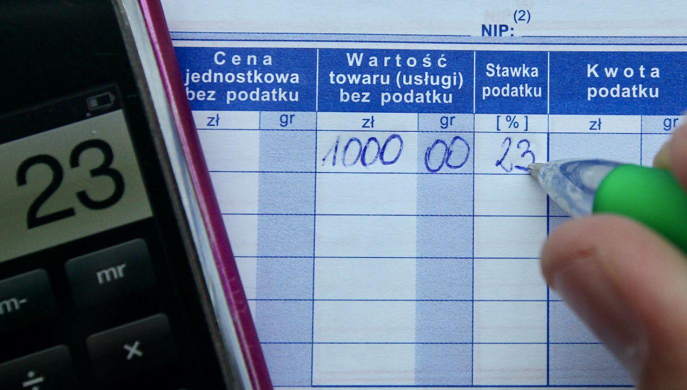 Fikcyjne faktury oznaczają poważne straty dla Skarbu Państwa (fot. arch.PAP/Radek Pietruszka)