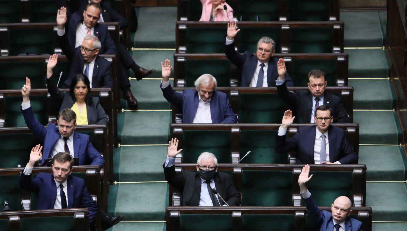 Wicepremier Jacek Sasin oskarżył opozycję o niedopuszczenie do wyborów(fot. PAP/Leszek Szymański)