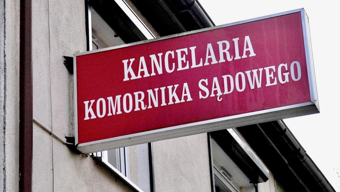 Według śledczych, oskarżony działał na szkodę interesu publicznego i stron postępowania egzekucyjnego (fot. arch.PAP/Marcin Bielecki, zdjęcie ilustracyjne)