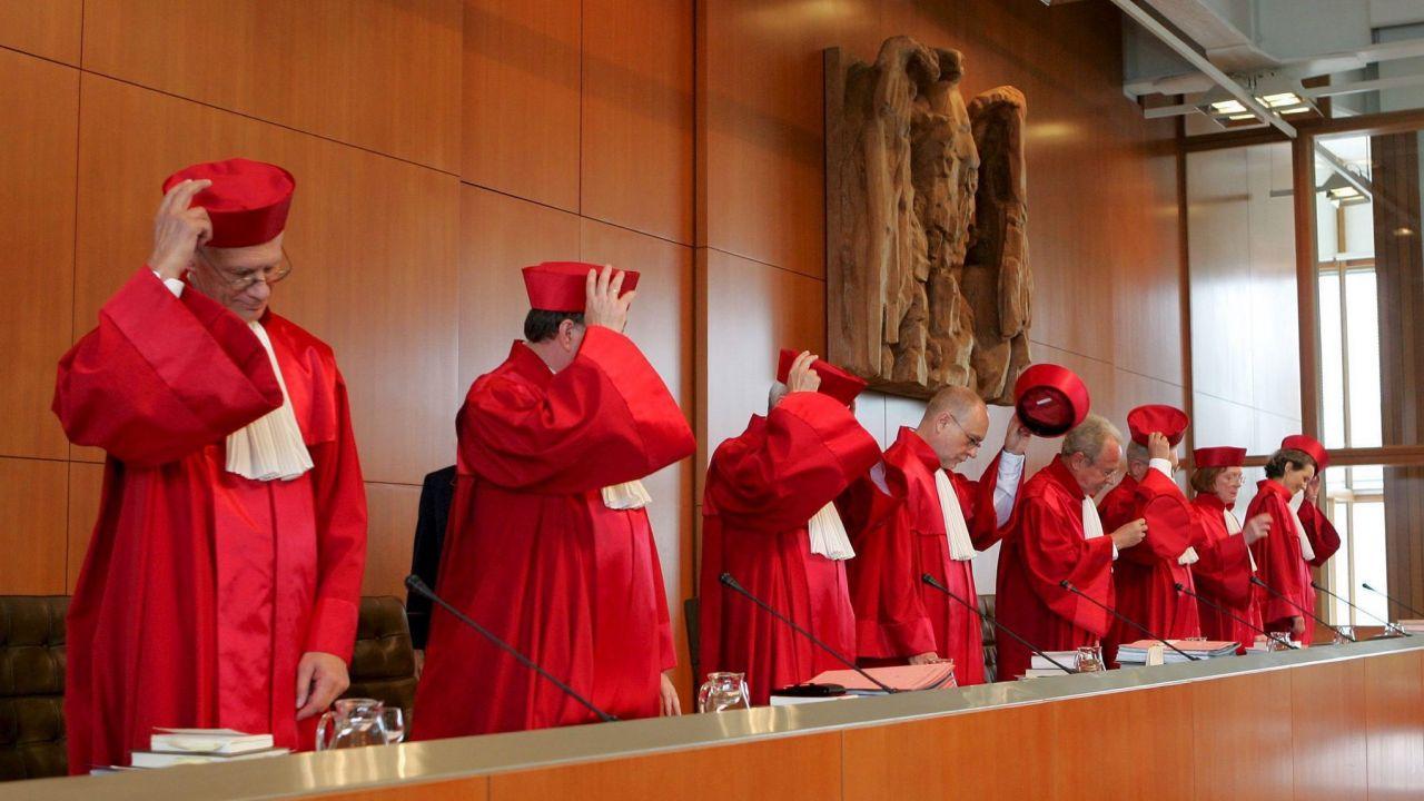Niemiecki Trybunał Konstytucyjny (fot. PAP/ULI BECK)