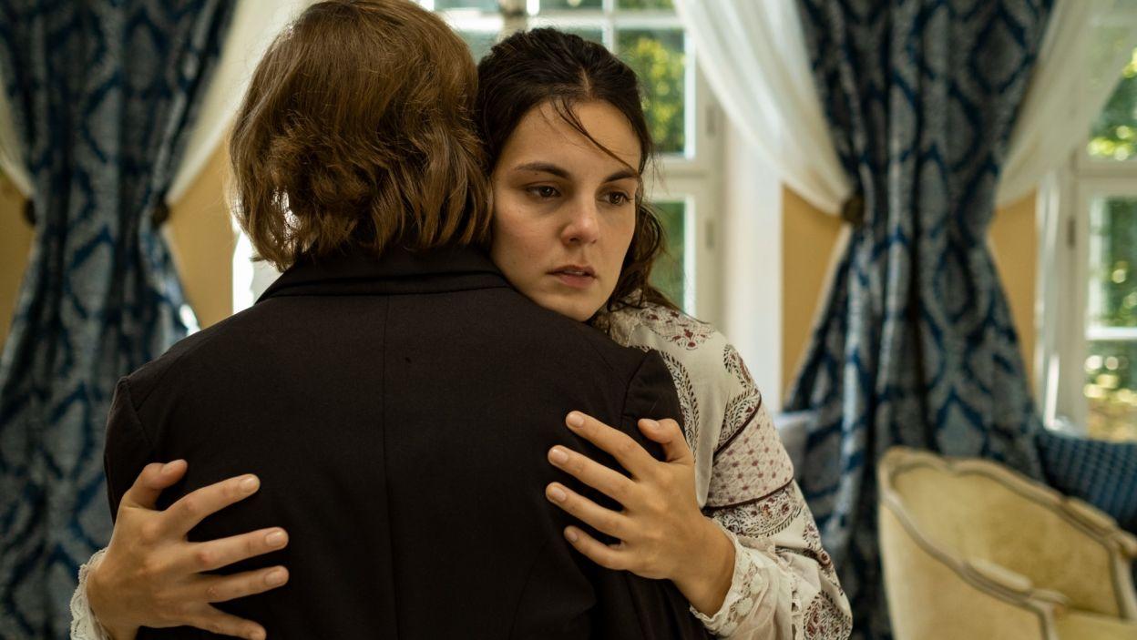 W roli Solange, córki pisarki, wystąpiła Agata Turkot (fot. Zuza Szamocka/TVP)